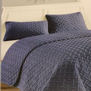 VCNY Home 3pc Quilt set Queen Navy